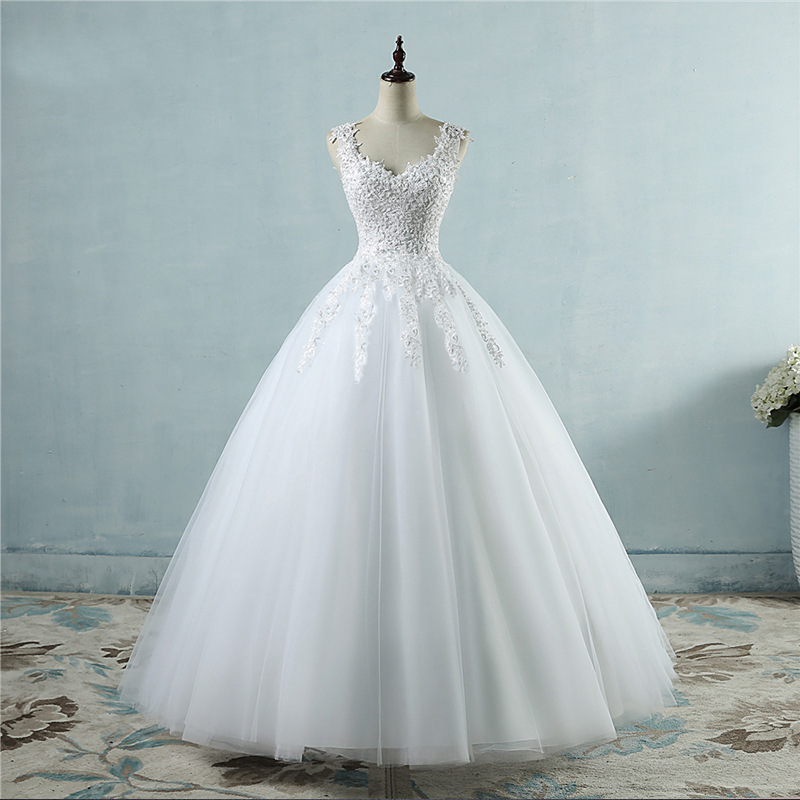 Women wedding dress plus size V neck sleeveless lace embroidery ball gown bridal dress custom made