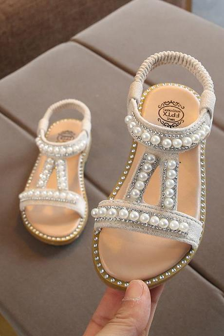 2020 summer new girl pearl sandals baby Korean open toe princess shoes small children's slip shoe