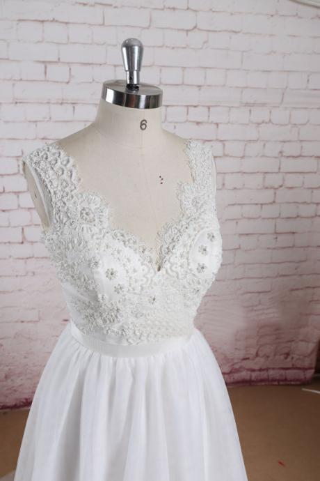 Custom Beading Bodice Wedding Dress with Tulle Skirt A-line Bridal Gown with Sheer Back Sleeveless Wedding Gown
