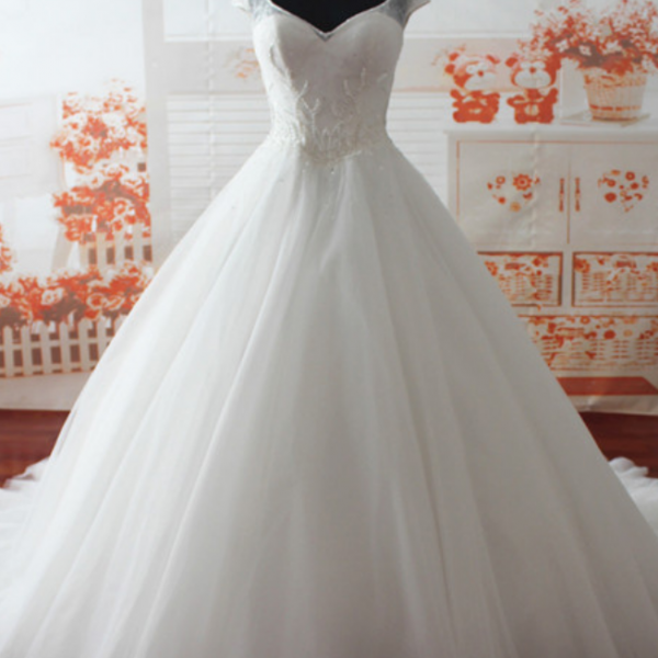 Custom Princess tulle Beaded Wedding Dress Luxury V-Neck Modest Chapel Train Bridal Dress